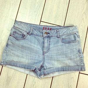 ✨Elle Denim Shorts ✨💙💧